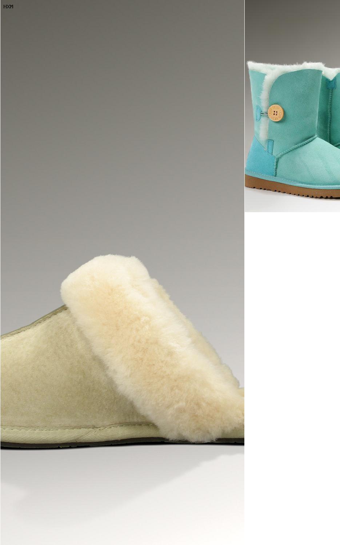 combinar botas ugg grises